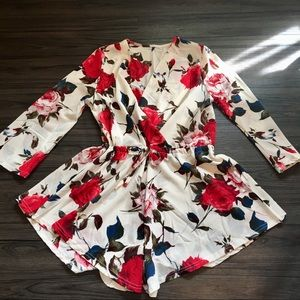 Dresses & Skirts - Pretty Floral Long Sleeve Romper